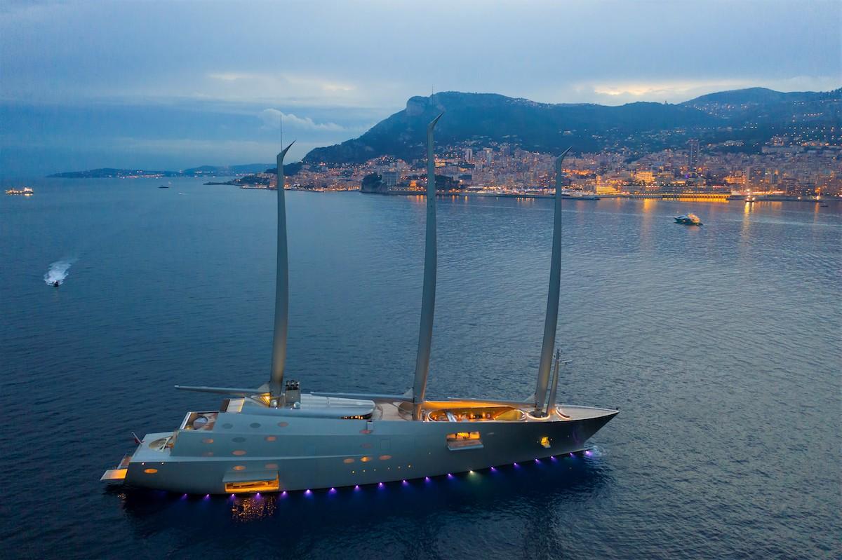 Disruptive-technology-Sailing-Yacht-A