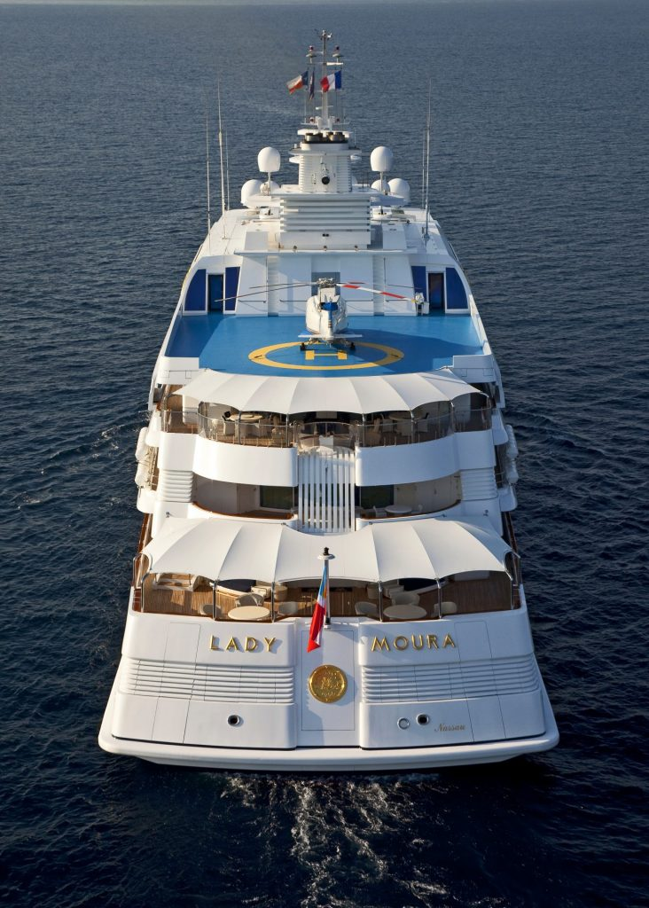 Exterior photo of Lady Moura as viewed from the stern