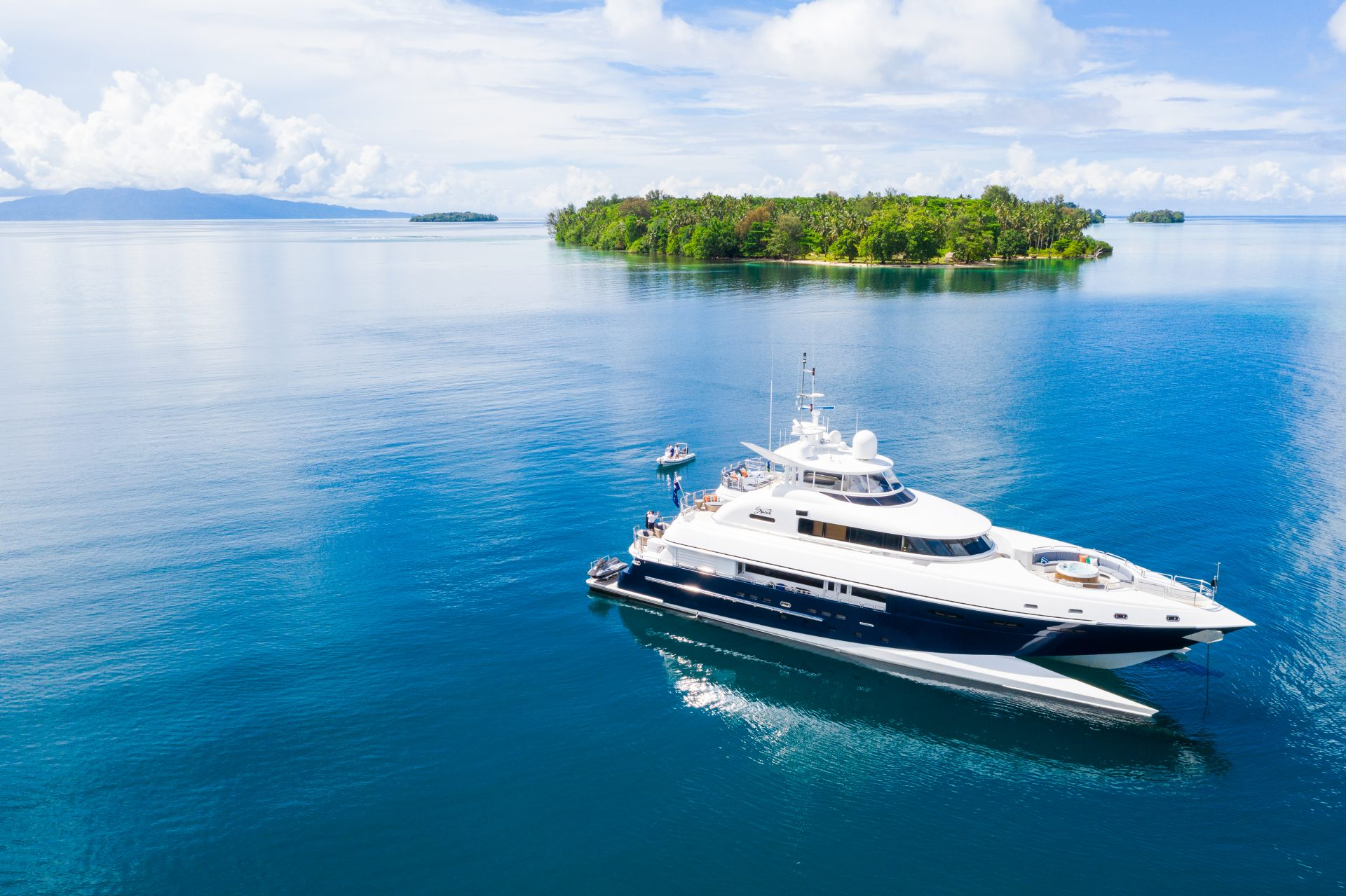 Superyacht Spirit on her Pelorus travel expedition