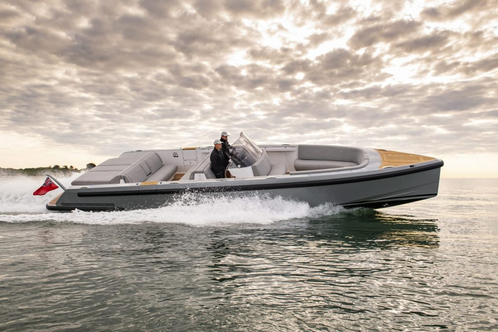 Compass Tenders chaseboat